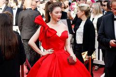Lý Nhã Kỳ: Mặc hở hang quá lố ở Cannes là tự biến mình thành món giải trí