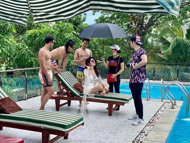 Chia tay các cầu thủ nổi tiếng nhất tuyển Việt Nam, 3 người đẹp sexy sống thế nào?