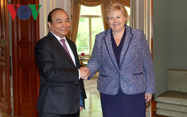Thủ tướng kết thúc tốt đẹp chuyến thăm chính thức Na Uy