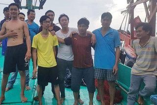 Fishermen pulled out of sea following row