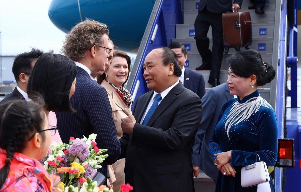 Thủ tướng bắt đầu thăm chính thức Thụy Điển