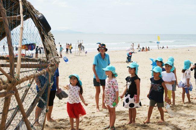 Bamboo against plastic