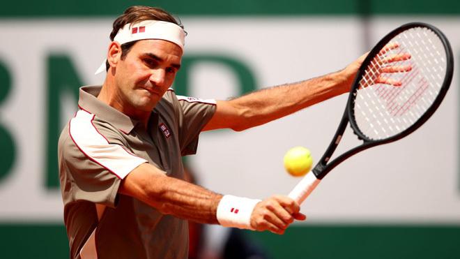 Federer thắng trận đầu tiên ở Roland Garros sau 4 năm