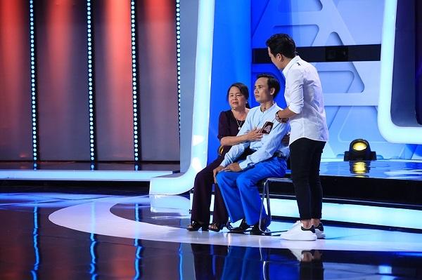Việt Hương rơi nước mắt trước chuyện mẹ hiến tạng con trai cứu 5 mạng người