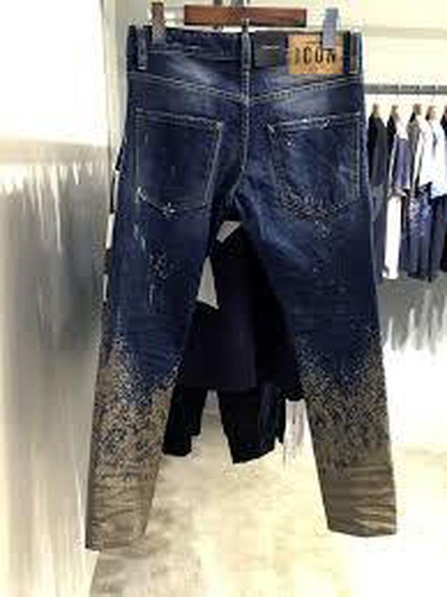Chiếc quần bẩn như dính bùn, lội ruộng hét giá 16 triệu vẫn 'cháy hàng'