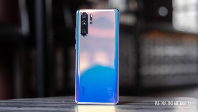 Điều Huawei sợ nhất đã đến, người dùng bắt đầu 'quay lưng'