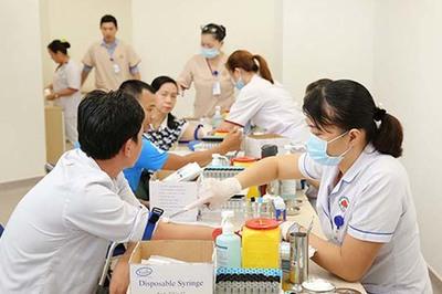 150 công nhân khó khăn được khám bệnh miễn phí