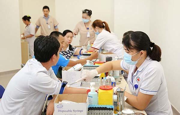 tầm soát ung thư,tầm soát ung thư gan,khám tổng quát,xét nghiệm máu