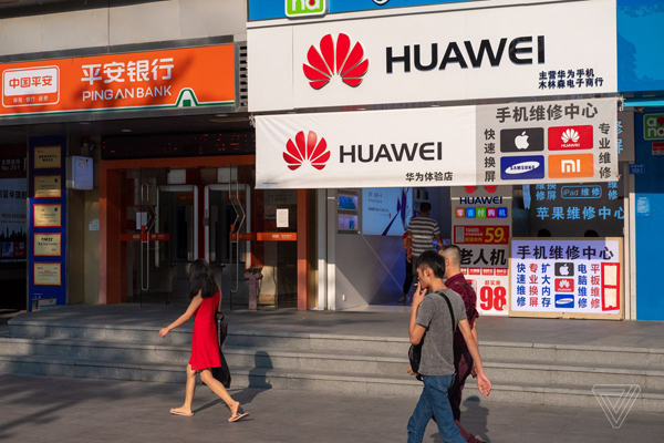 Doanh số điện thoại Huawei đang sụt giảm với tốc độ phi mã