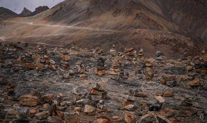Chàng trai Việt và cuộc hành trình chinh phục đèo cao nhất thế giới