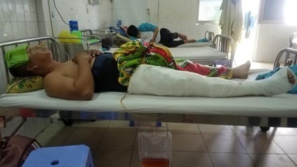 Truy đuổi cát tặc, cán bộ xã ở Quảng Nam bị tông gẫy chân