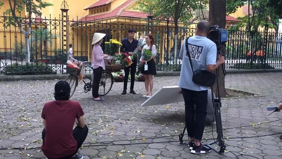 Loạt ảnh hậu trường tiết lộ nội dung các tập chưa phát sóng của 'Về nhà đi con'