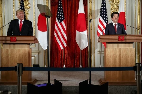 Ông Trump gây sức ép Nhật, tin TQ sớm 'đầu hàng'