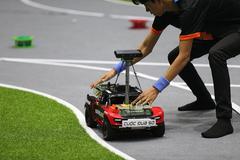 Nhà vô địch giải đua xe tự hành VN sẽ được sang Mỹ học Tiến sĩ về AI