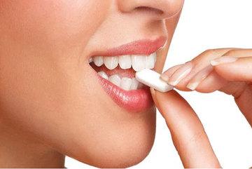 Phụ gia thường có trong kẹo cao su có thể gây ung thư trực tràng