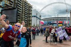Aston Villa 0-0 Derby County: Thế trận một chiều (H1)