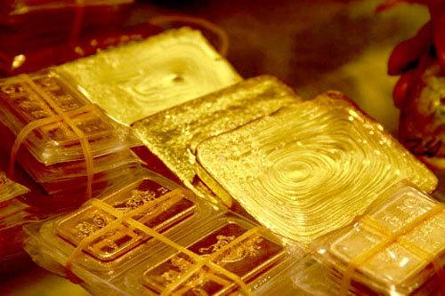 Giá vàng hôm nay 31/5, dồn dập mua USD đẩy vàng xuống đáy
