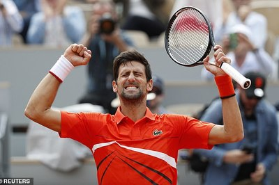 Roland Garros 2019: Djokovic thắng dễ trận ra quân