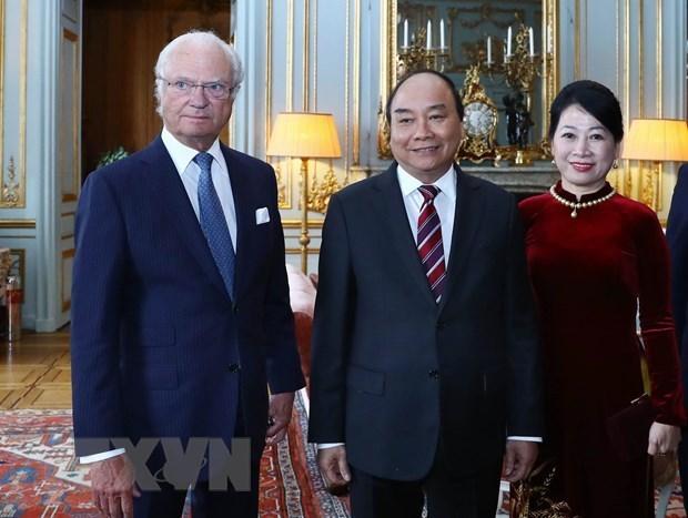 PM Nguyen Xuan Phuc meets with Swedish King