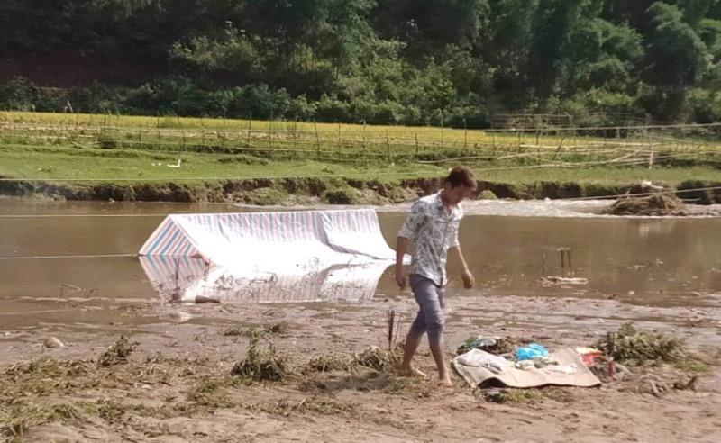 Gãy cột điện cao thế, vợ chồng trẻ Thanh Hóa bị điện giật chết thảm