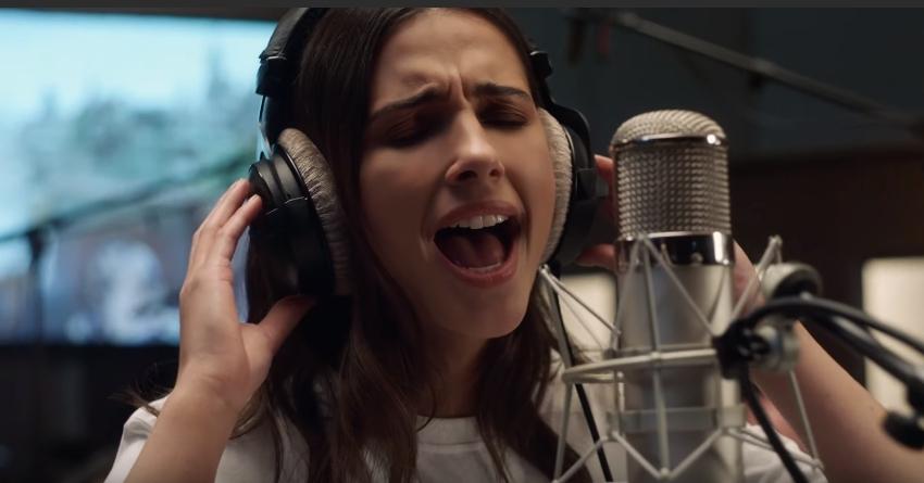 Mỹ nhân gốc Ấn Naomi Scott khoe giọng cao vút trong phim 'Aladdin'