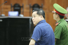 Court resumes Dong A Bank appeals trial