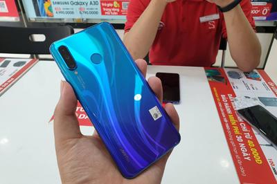 Người dùng sẽ quyết định mảng di động của Huawei có sống sót hay không