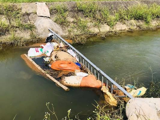 Dịch tả nhiễm nguồn nước, hàng vạn dân sống trong lo sợ
