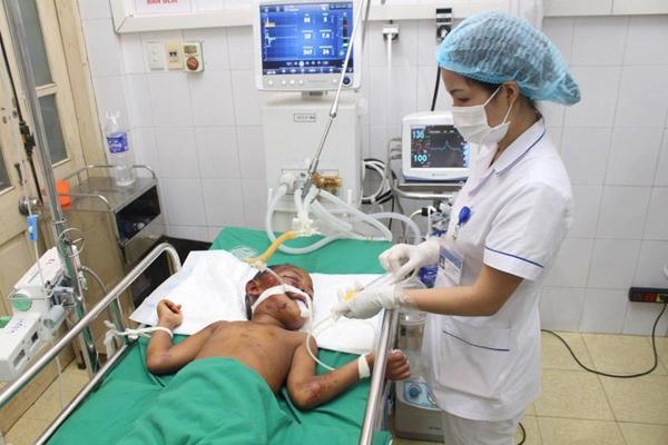 Bé gái 9 tuổi bị trâu kéo lê 500m, chấn thương sọ não