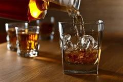 Gái hầu rượu (Phần 1)