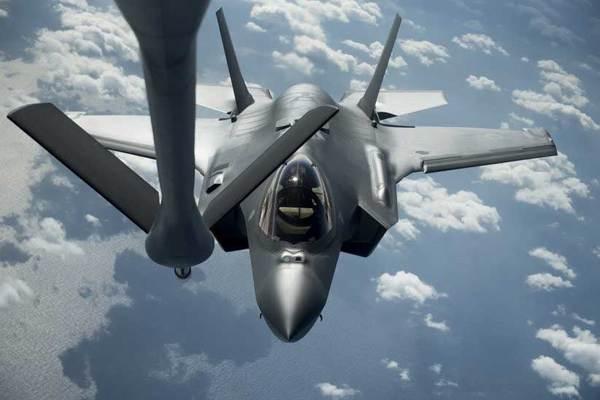 Nhật tìm thấy xác chiến cơ F-35 dưới đáy biển