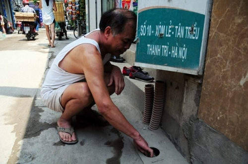 Tháng đầu mùa nóng, tá hỏa hóa đơn tiền nước 33 triệu đồng