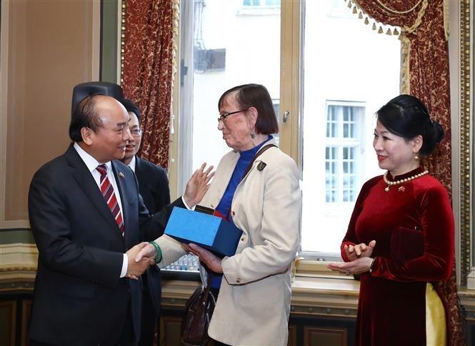 PM Nguyen Xuan Phuc active in Sweden