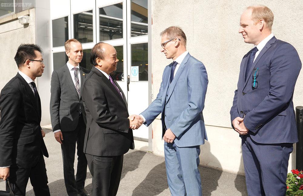 Thủ tướng thăm một số cơ sở công nghệ cao tại Thụy Điển