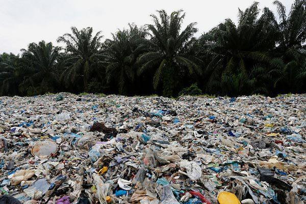 Học theo Philippines, Malaysia tuyên bố trả hàng nghìn tấn rác cho các nước