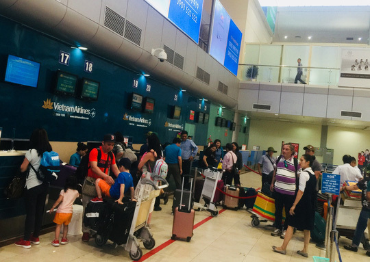 Local airlines rush to open new air routes, increase flight frequency in summer