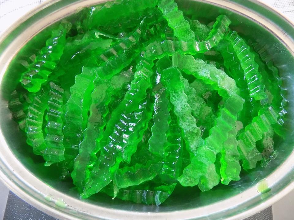 Cách làm chè thạch trà xanh trái cây mát lạnh, ăn đã khát