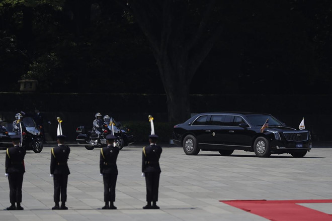 'Quái Thú' đời mời của tổng thống mỹ lần đầu lăn bánh ở nước ngoài