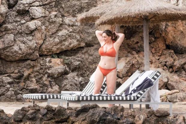 Kelly Brook,Kelly Brook diện bikini,sao Hollywood