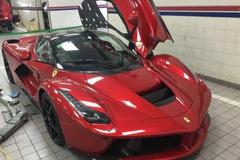 Nhà giàu Campuchia chơi nổi cùng lúc nhập 2 siêu xe Ferrari