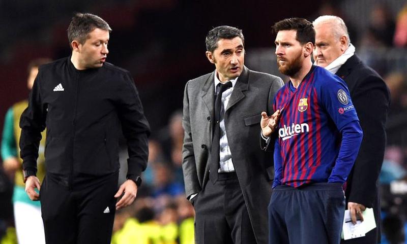 Gã nhà giàu cướp De Ligt trước mũi MU, Messi 'cứu' Valverde