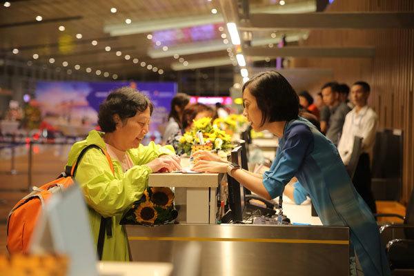 Sân bay Vân Đồn đón chuyến bay quốc tế đầu tiên từ Thẩm Quyến