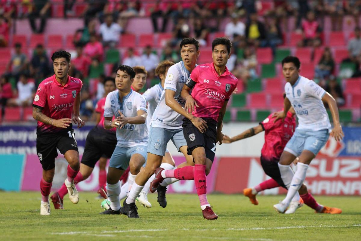 Xuân Trường mờ nhạt, Buriram thua đau đối thủ yếu