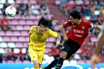 Đặng Văn Lâm sạch lưới, Muangthong đã biết thắng