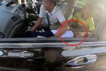 Cứu bé gái động kinh trên đường ùn tắc, nam biker được ca ngợi như người hùng