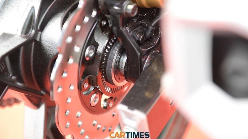 'Bắt' các loại 'bệnh' của hệ thống phanh đĩa trên xe máy