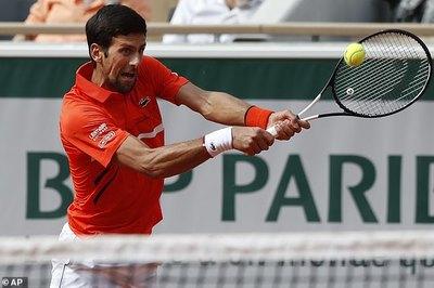 """Roland Garros 2019: Djokovic """"tốc hành"""" vào vòng 4"""