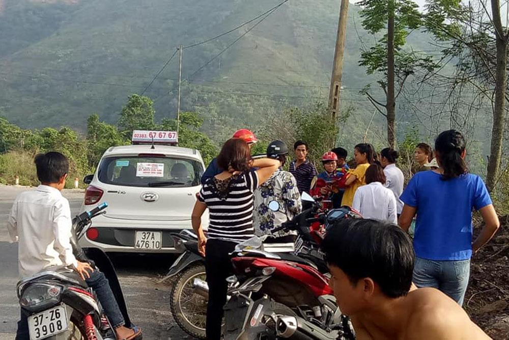 Ca đỡ đẻ 'bất đắc dĩ' của tài xế taxi ở Nghệ An