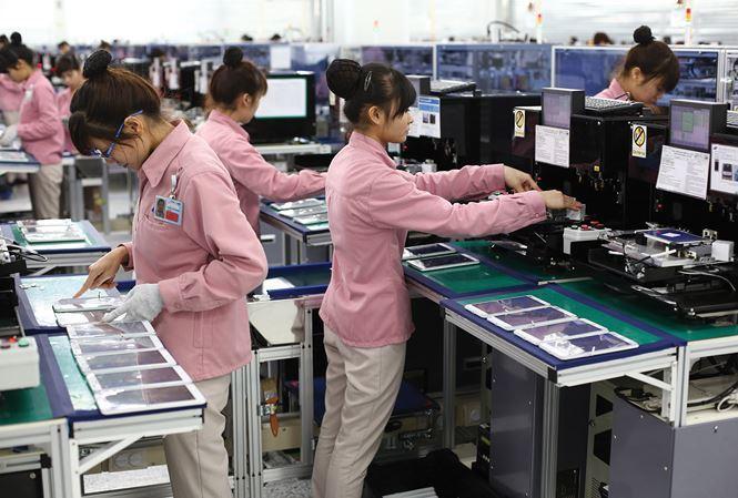 Chiến tranh thương mại Mỹ - Trung: Hàng Việt Nam ồ ạt xuất khẩu vào Mỹ