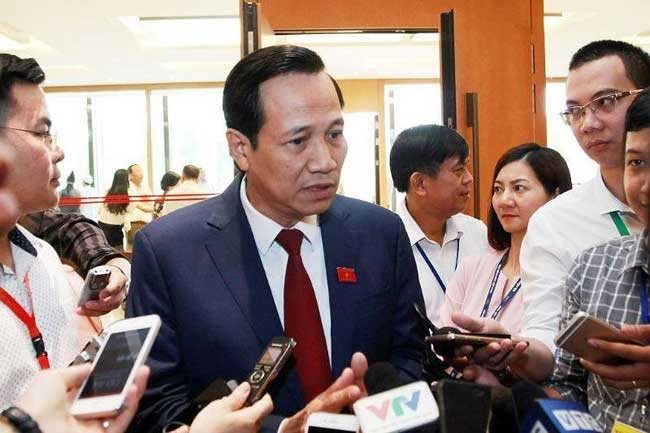 Labor Minister Dao Ngoc Dung says necessary to revise up retirement age